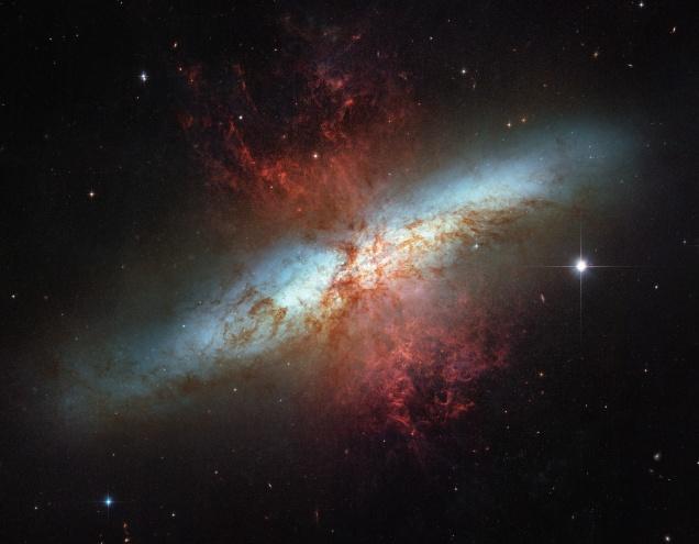 M82_Hubble