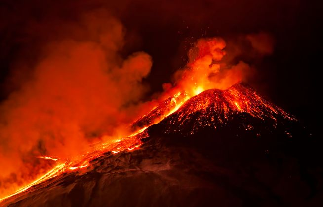 45531954 - etna eruption